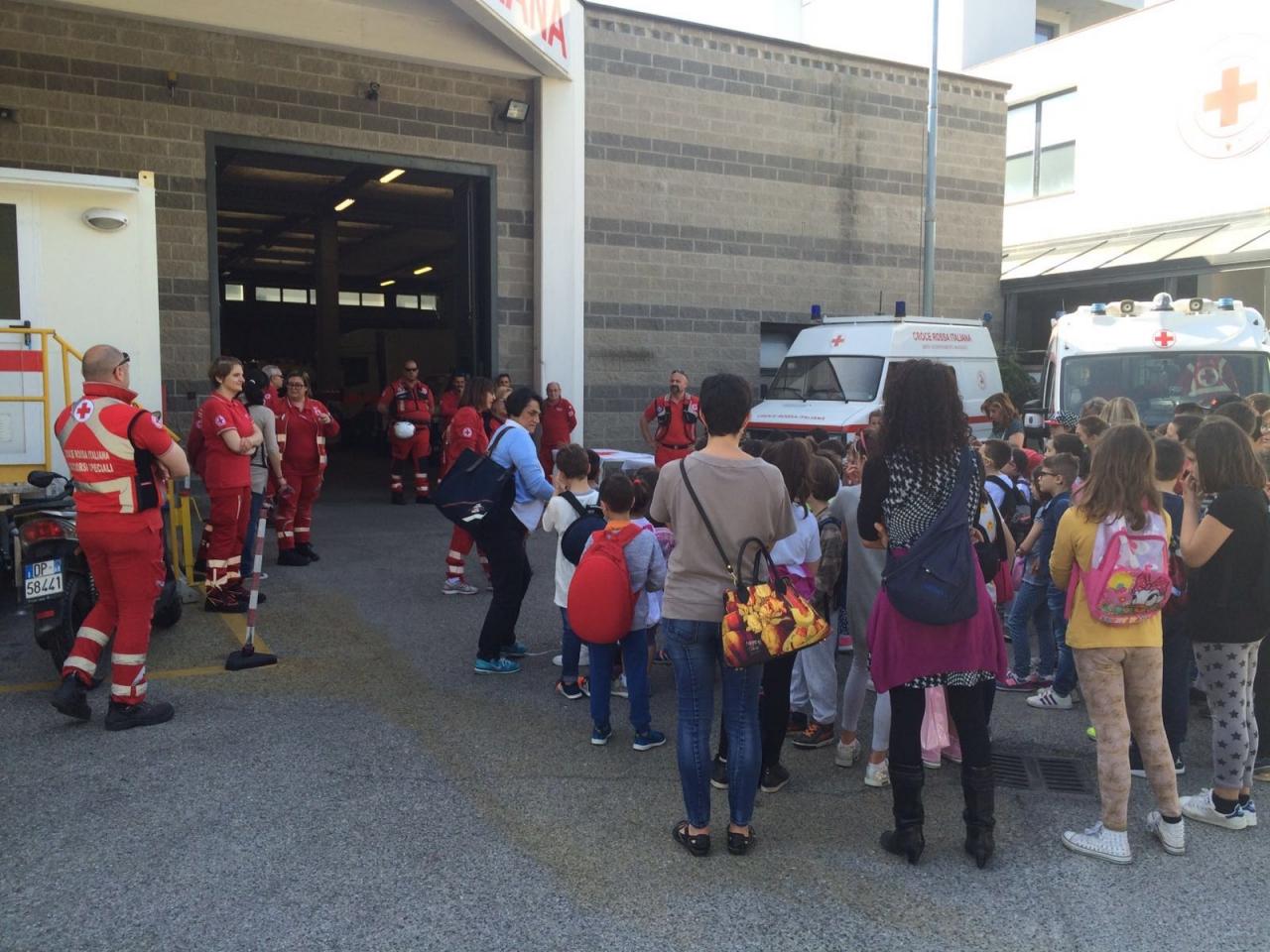 27 Maggio 2016 –La scuola primaria F. Severi in vista al Comitato di Arezzo