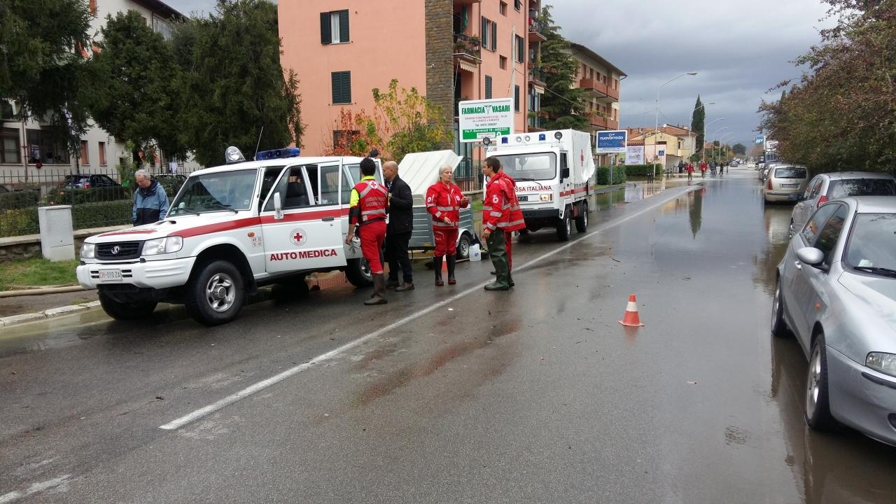 Interventi CRI per allagamenti in Arezzo 6 nov 2016